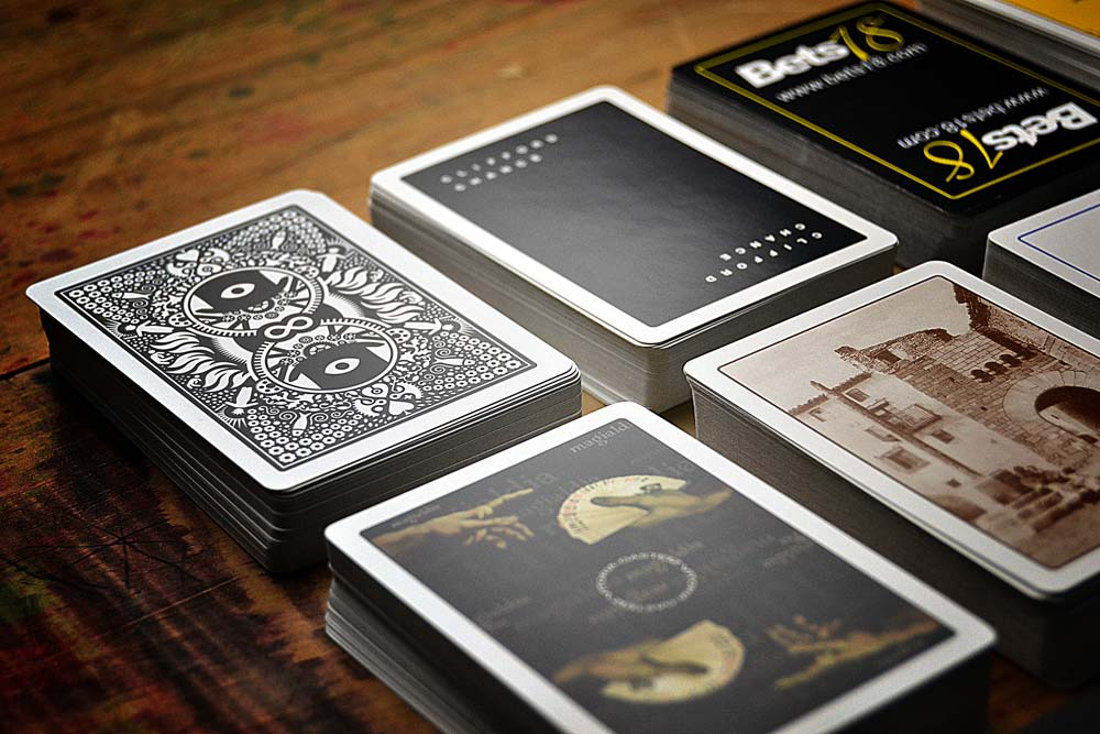 Promotional poker decks
